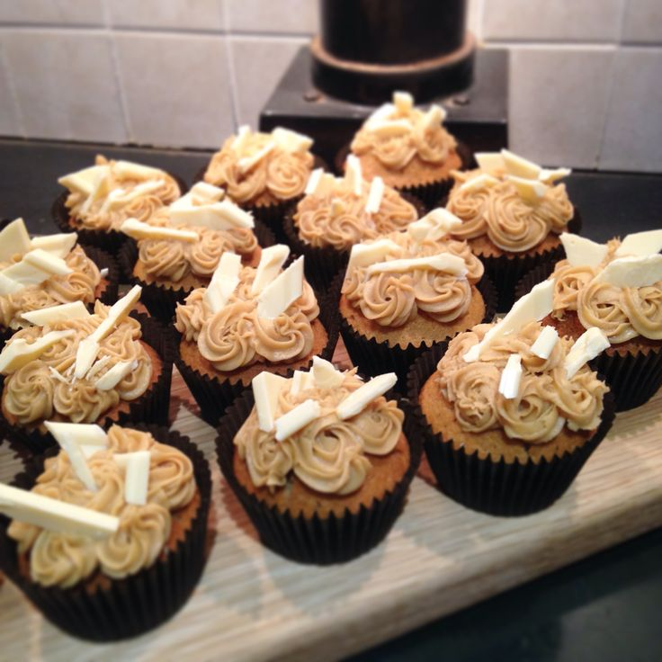 Coffee cupcakes & white chocolate