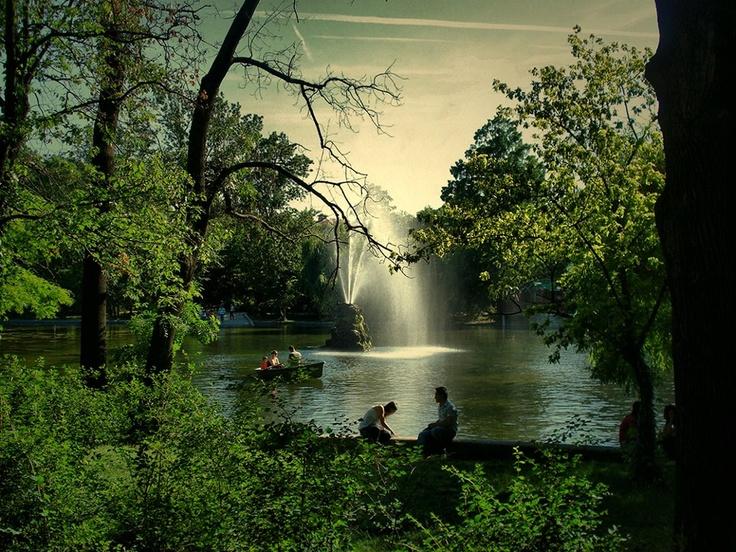 In Cișmigiu Park - Bucharest. All credits to facebook.com/BucurestiOptimist.