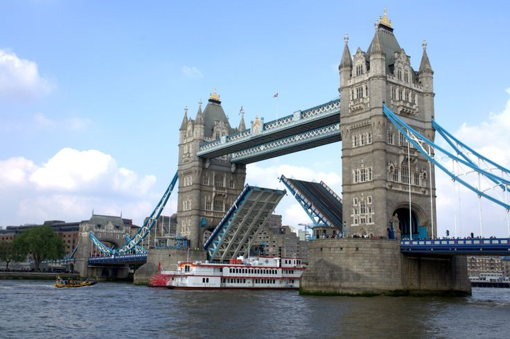 Tower Bridge, London, United Kingdom // full photogallery on www.DR-travelblog.com