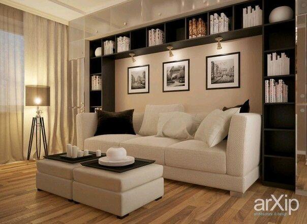 Полки над диваном. Подсветка и картины или фотографии