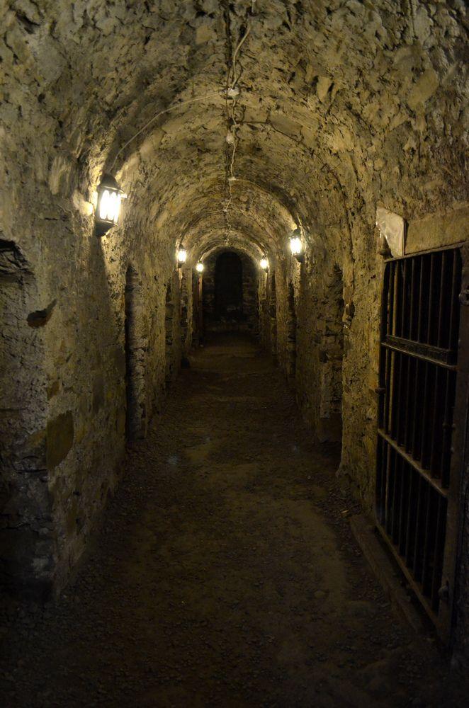 crypt in dublin - underground - von dempwolf