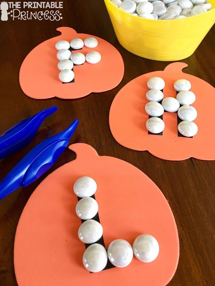 On the lookout for no prep fall activities for Kindergarten? Then you're going to love these low prep math and ELA games! These easy to prep DIY games are perfect for your Kinder students, but they'll also work with in preschool or 1st grade classrooms! {Homeschool families will love these too!} Click through to see how you could use these games in September, October, or November in your primary classroom. They're also great for your fall or Halloween unit themes! Get the details now