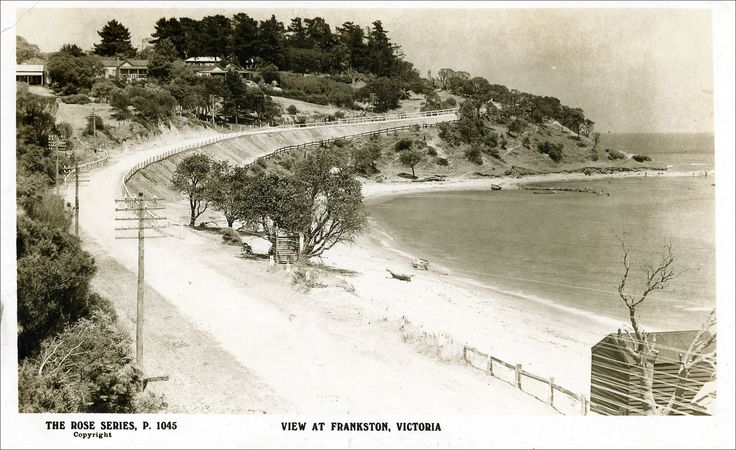 Vintage postcard - Olivers Hill as a dirt road in the early days.