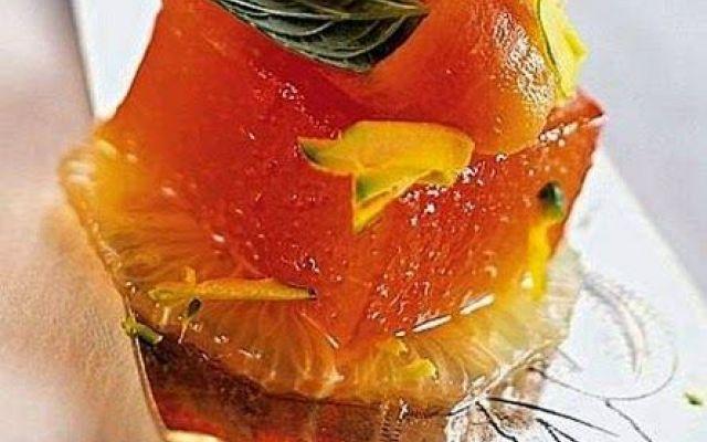 Gelatina di arance rosse, con pompelmo, papaia e mela verde. #ricette #cucina #dolci #dessert