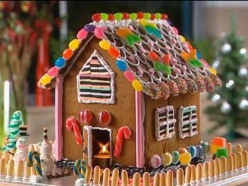 How To Make Your Own Gingerbread House Better Homes And