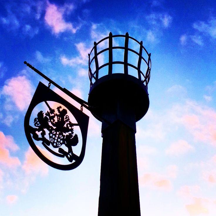 Silhouette of a beacon at Tilgate Park.. #beacon #pinkclouds #silhouette #landscape #landmark #amazingsky #nature #tilgatepark #crawley #sussex