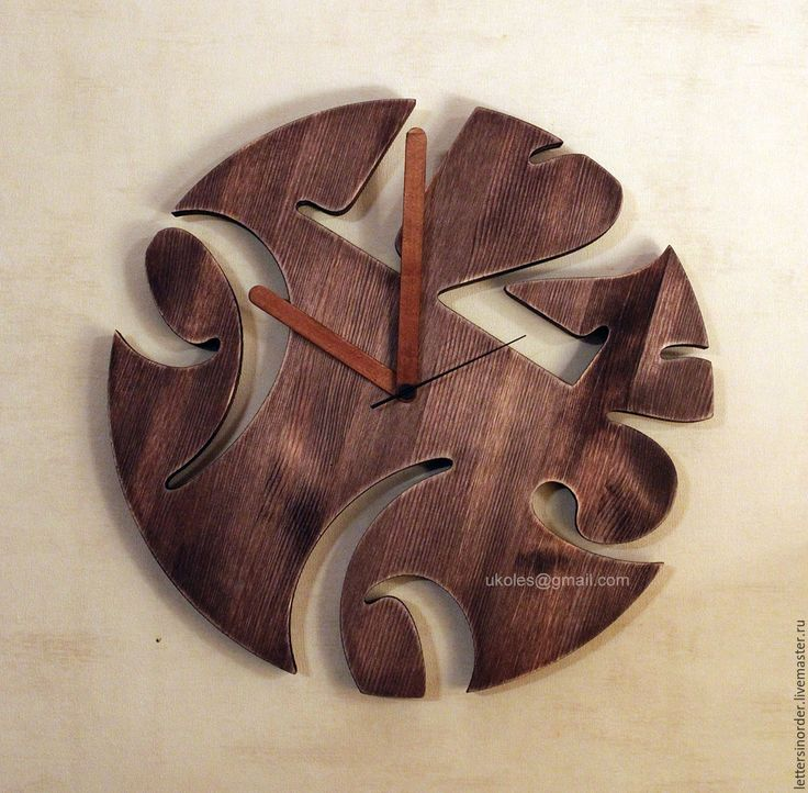 Купить или заказать Часы из дерева в интернет-магазине на Ярмарке Мастеров. Настенные часы из дерева. В наличии. С помощью наших часов из амбарной доски вы можете создать особенный интерьер, полностью пропитанный атмосферой старины, которые придадут домашнему убранству уникальность и изысканность.…