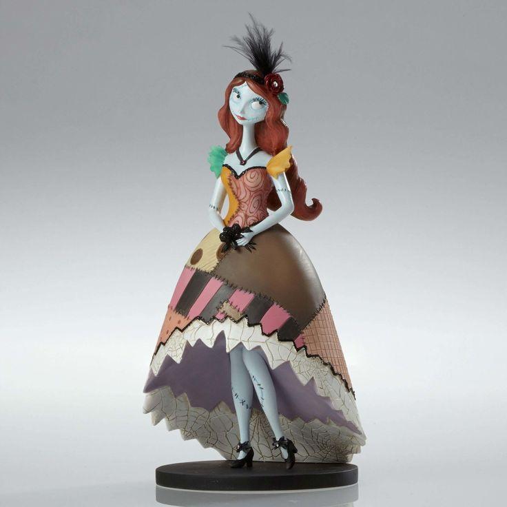 Nightmare Before Christmas - Sally - Showcase - Walt Disney Showcase Collection - World-Wide-Art.com - #disney #disneyshowcase #figurines #nightmarebeforechristmas #timburton #halloween