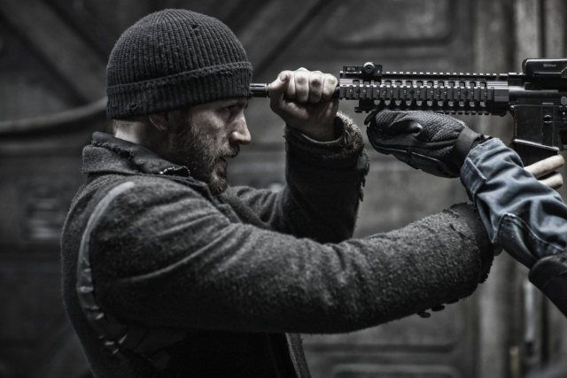 Snowpiercer, I hate this movie so much but I love it because it brings me joy for the wrong reasons hahah