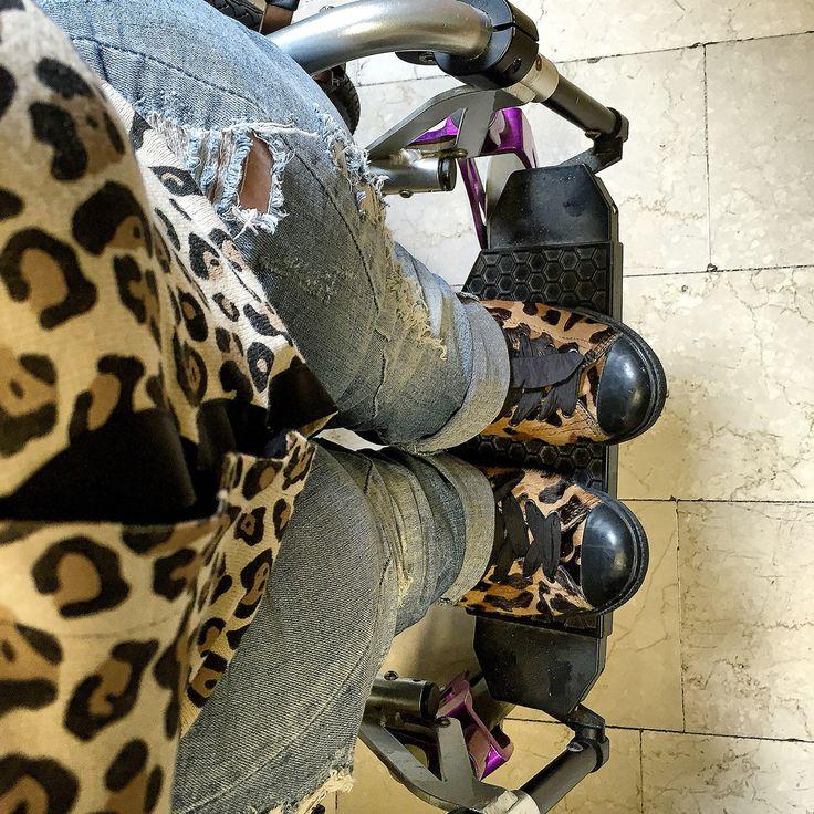 Titolo: avevo visto il sole Svolgimento: MANNAGGIA piove  Golfino #liujo//jeans #diesel//stivaletti #prada  #ootd #outfit #jeans #details #animalier