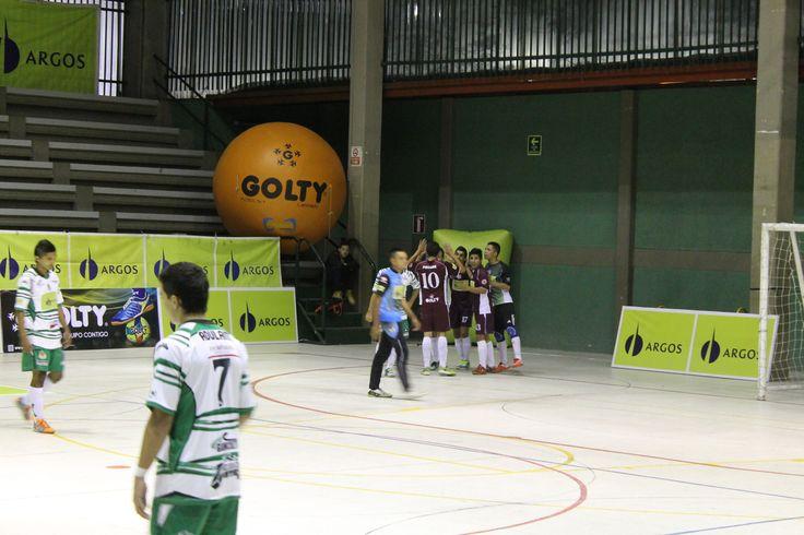 Con 18 puntos #LanúsColombia es líder solitario del Grupo A. Goleó 13-4 al campeón #DeportivoMeta.