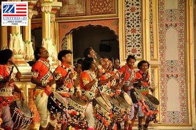 Enjoy the Madhya Pradesh Culture with United-21 Jungle Resort, Pench. Madhya Pradesh Traditional Dance.