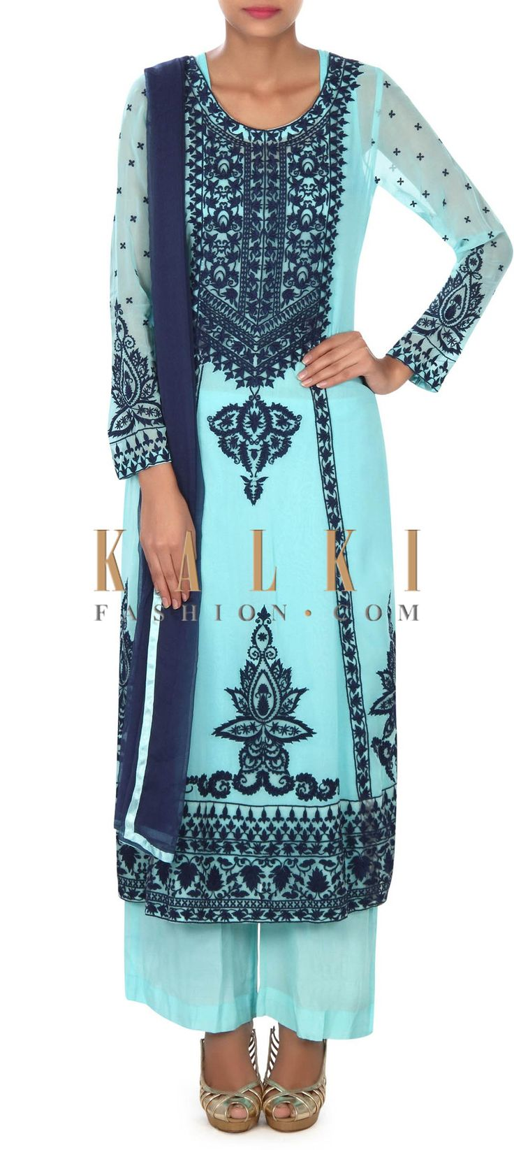 Buy this Blue straight suit adorn in thread embroidery only on Kalki