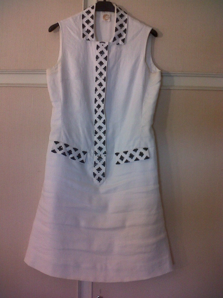 70s linen dress. Optical beading