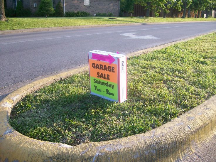 Wind-Proof Garage Sale Signs: Apartment Therapy led me to http://www.meckmom.com  Great DIY idea!