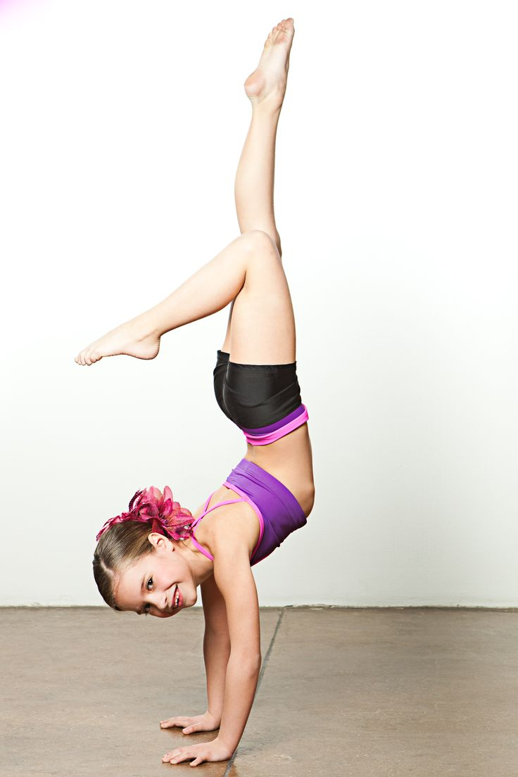 Mackenzie Ziegler at a photoshoot | Dance moms | Pinterest ...