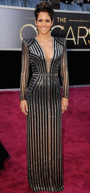 Halle Berry in Versace at the 2013 Oscars                                                                                                                                                     More