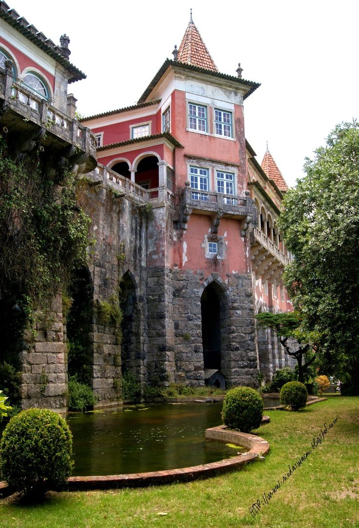 Penedos Palace, one of the many palaces and great villas in romantic and monumental #Sintra #Portugal