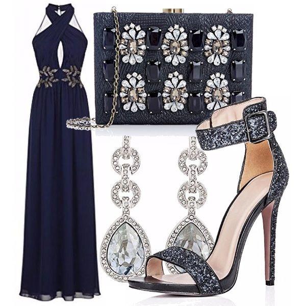 Avete già fatto una crociera? Dovete farne una? Ecco una proposta outfit per la serata di gala che prevede un abbigliamento formale. Ho scelto i toni del blu scuro come omaggio al mare.