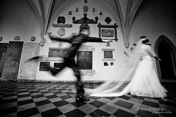 Ślub po krakowsku.  (Fotografia-ślubna-Paweł-Borówka) #ślub #pomysł #foto #kraków #klasztor #dominikanie
