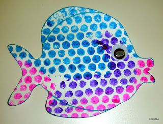 "bubblewrap-stamped fish--craft to go along with ""One Fish Two Fish Red Fish Blue Fish"""