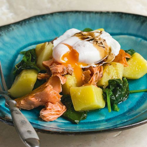 Potatoes & spinach with hot-smoked salmon & poached eggs