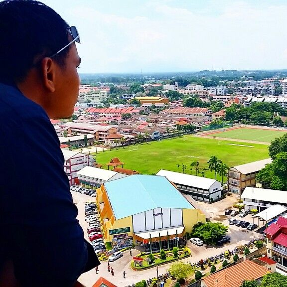 Hubby loved the view from Hotel Equatorial at Melaka... The best ever!!! :) Level 14 Equator Club.. :)