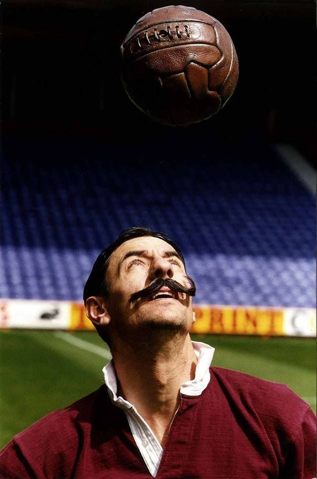 ♠ Ian Rush wears the Liverpool strip of 100 years ago including fake curly moustache to celebrate the 100 year anniversary of the football club #LFC #History #Legends