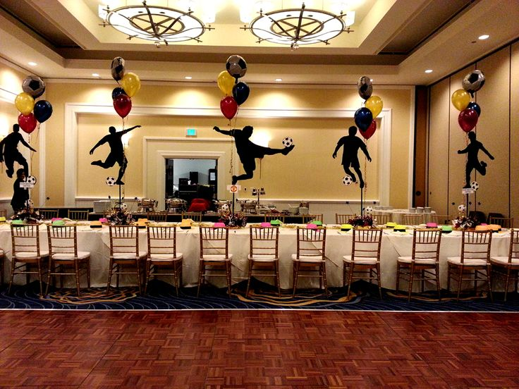 Ber ideen zu sports banquet centerpieces auf for Athletic banquet decoration ideas