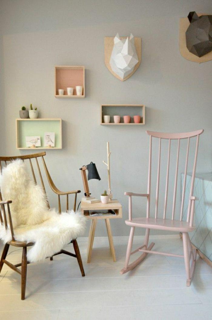 chaise berçante, mur beige, décoration murale, mur gris, etager murale