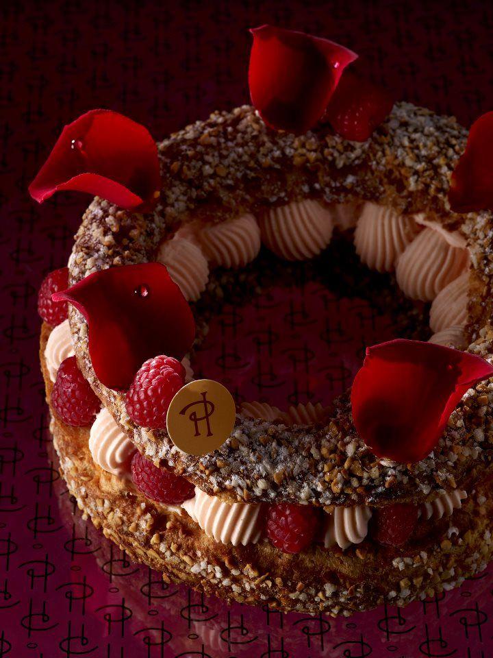 PARIS-BREST ISPAHAN [pâte à choux aux éclats d'amandes grillées, crème de mascarpone à la rose, letchis et framboises]   Pierre Hermé Paris