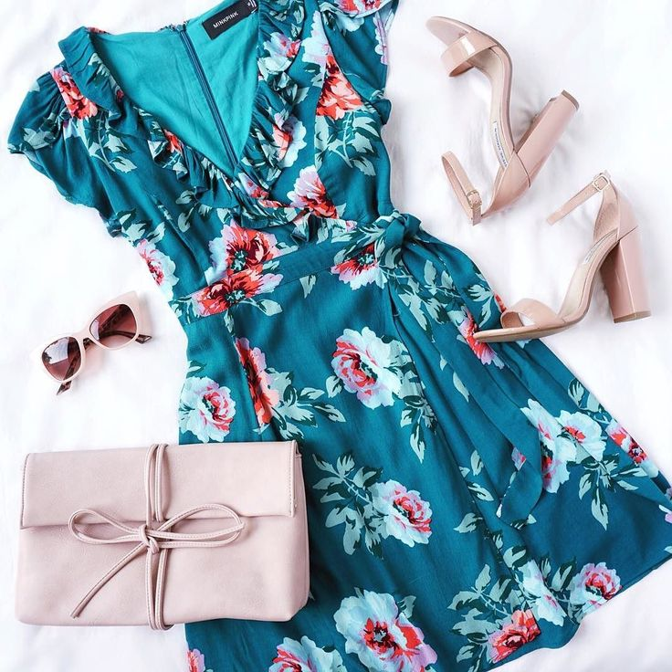 wrap dress obsessed? we're crushing on this little floral number @official_minkpink (shop link in bio) #lovelulus