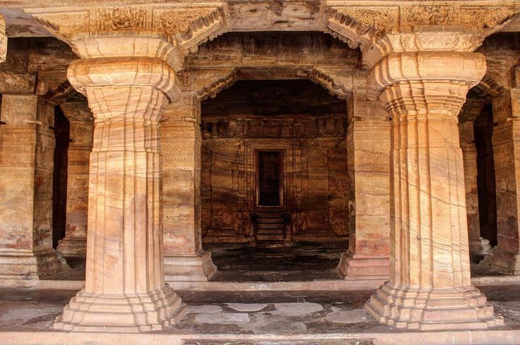 #temple #old #architecture #carvedstone #carvedrock #beautiful #placestovisit #placeofworship #worship #god #dynasty #chalukyas #badami #badamicaves #badamicavetemples #karnataka #karnatakatourism #karnatakadiaries #travelling #travelphotography #architecturephotography #roadtrip