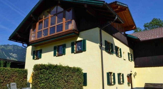 Ferienwohnung Singer - #Apartments - $82 - #Hotels #Austria #Reutte #Ehenbichl http://www.justigo.tv/hotels/austria/reutte/ehenbichl/ferienwohnung-singer_39111.html