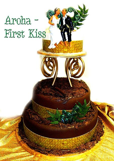 tongan wedding cake | ... FIRST KISS CHOCOLATE MAORI WEDDING CAKE | Flickr - Photo Sharing