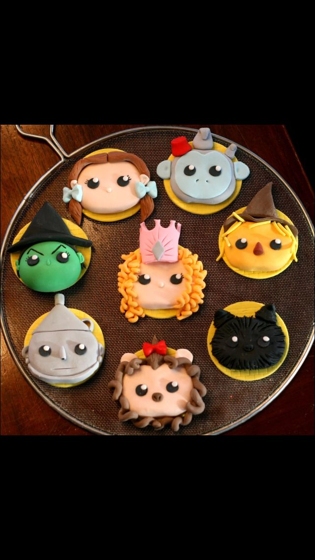 Wizard of Oz cookies - For all your cake decorating supplies, please visit craftcompany.co.uk