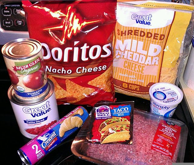 Dorito Taco Bake...OMG! This is what i am making with my stuffed peppers for tomorrows dinner ;)