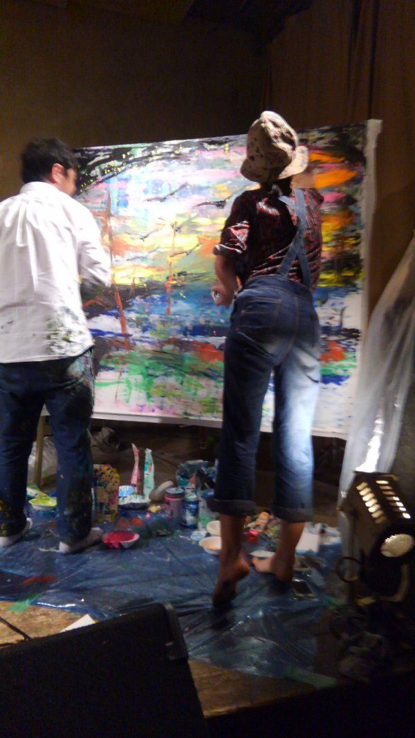 5/29(日)「いつまでも世界は・・・」京都 渡辺シュンスケさんのステージからゆ~きゃん(バンドセット)までライブペインティングはもちろんライブドローイング、そして最後には康平さん&natunatunaさんが一緒に描く姿はレアだ!