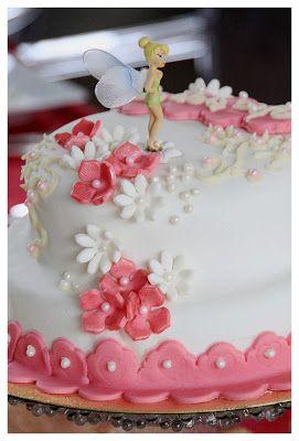 """Cake design """"La fée clochette"""" et pâte à sucre"""