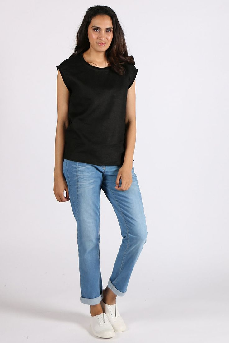 Marco Polo - Linen Tee By Marco Polo In Black