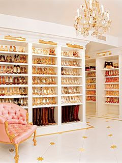 shoe closet! WANT. NOW.
