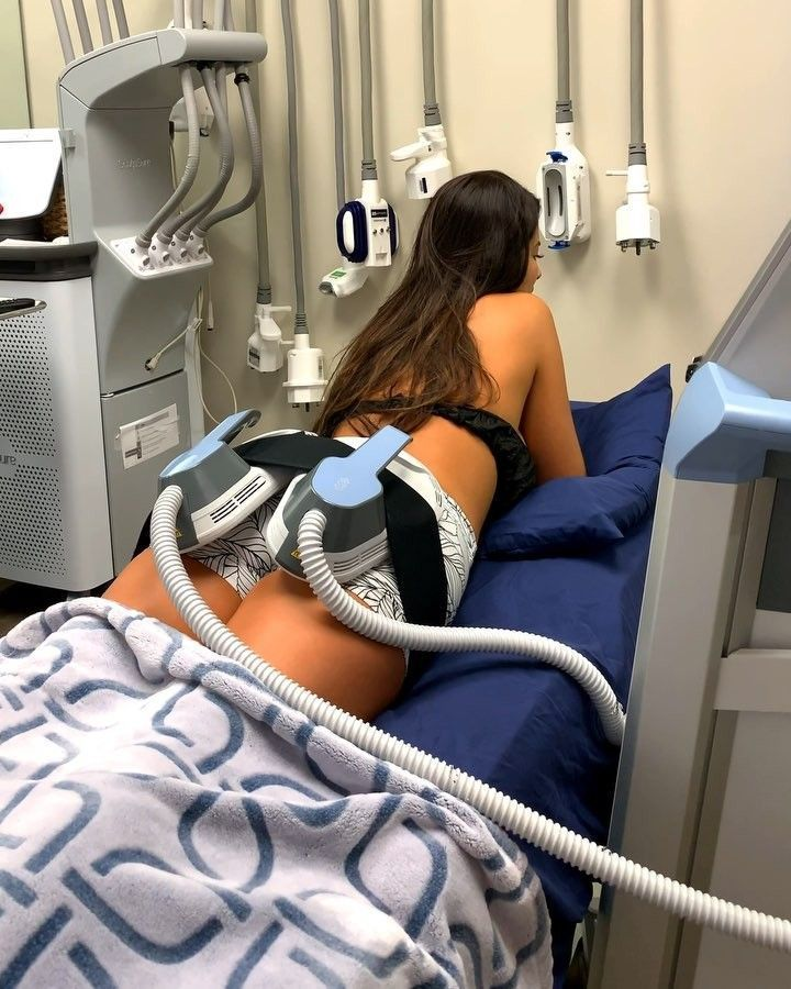 Did you know that 1 half-hour EmSculpt treatment to the buttocks is equivalent t…