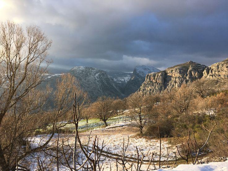 L'inverno nel Parco Nazionale del Pollino... campagne e cime innevate
