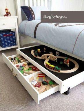 Stauraum unterm Bett + Spielfläche