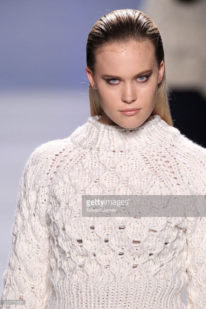 model-walks-the-runway-during-the-select-featuring-house-of-knot-at-picture-id515770846 (683×1024)