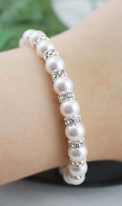 Swarovski Pearl Bridal Bracelet from EarringsNation Classic Weddings