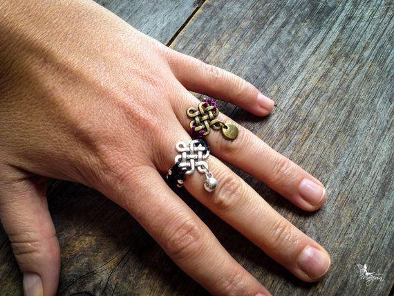 Boho Macrame endless knot Ring bohemian por creationsmariposa