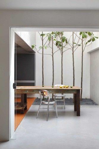 Guilhermes Home Studio / Studio Guilherme Torres   ArchDaily