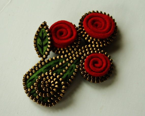 Felt and zipper  flower brooch... red ❤ by woollyfabulous on Etsy
