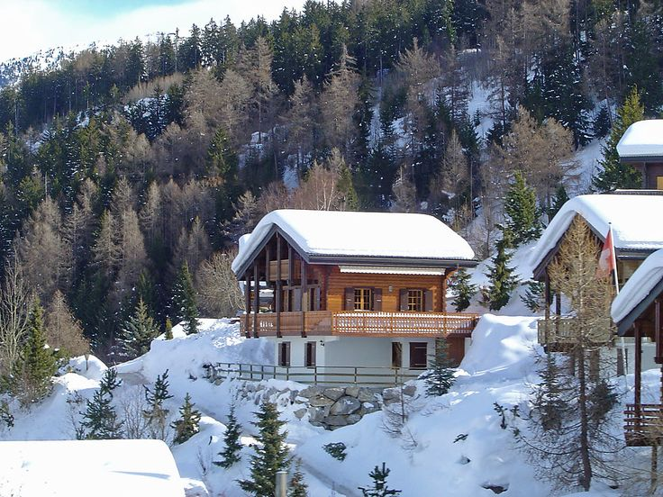 """Pacha - Chalet - NENDAZ - Switzerland - 1558 CHF """"Pacha"""", 4-room chalet 145 m2 on 2 levels. Living/dining room with Scandinavian wood stove, satellite TV, video and hi-fi system. Open kitchen (oven, dishwasher, freezer, raclette grill fondue Set (ch"""
